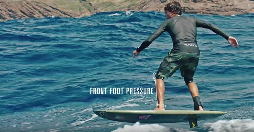 Surfen met hydrofoil surfboard -Hurley